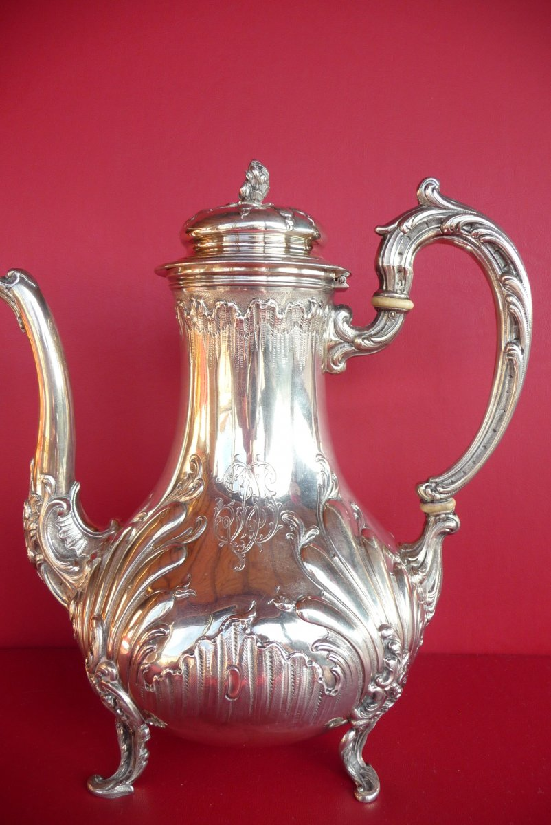 Louis XV Style Teapot In Sterling Silver. Goldsmith Veyrat. (1831 1840).