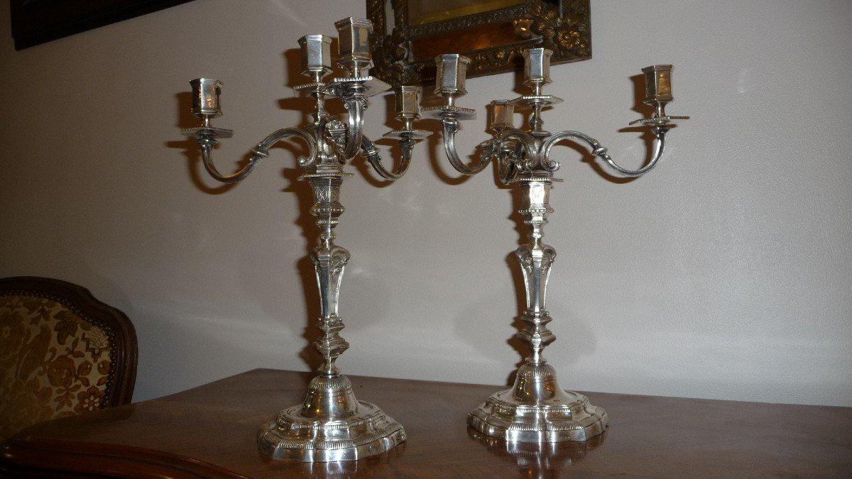 Paire De Bougeoirs Flambeaux à Quatre Branches En Bronze Argenté De Style Régence