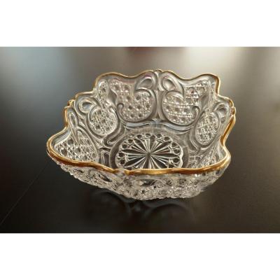 Baccarat : Très Belle Coupe En Cristal De Baccarat Du XIXème Siècle Avec Signature Moulée.