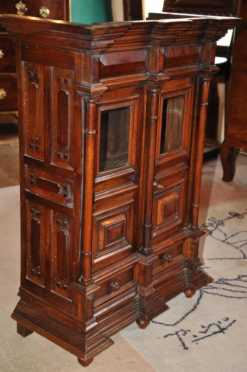 petite armoire de ma trise objets de curiosit. Black Bedroom Furniture Sets. Home Design Ideas