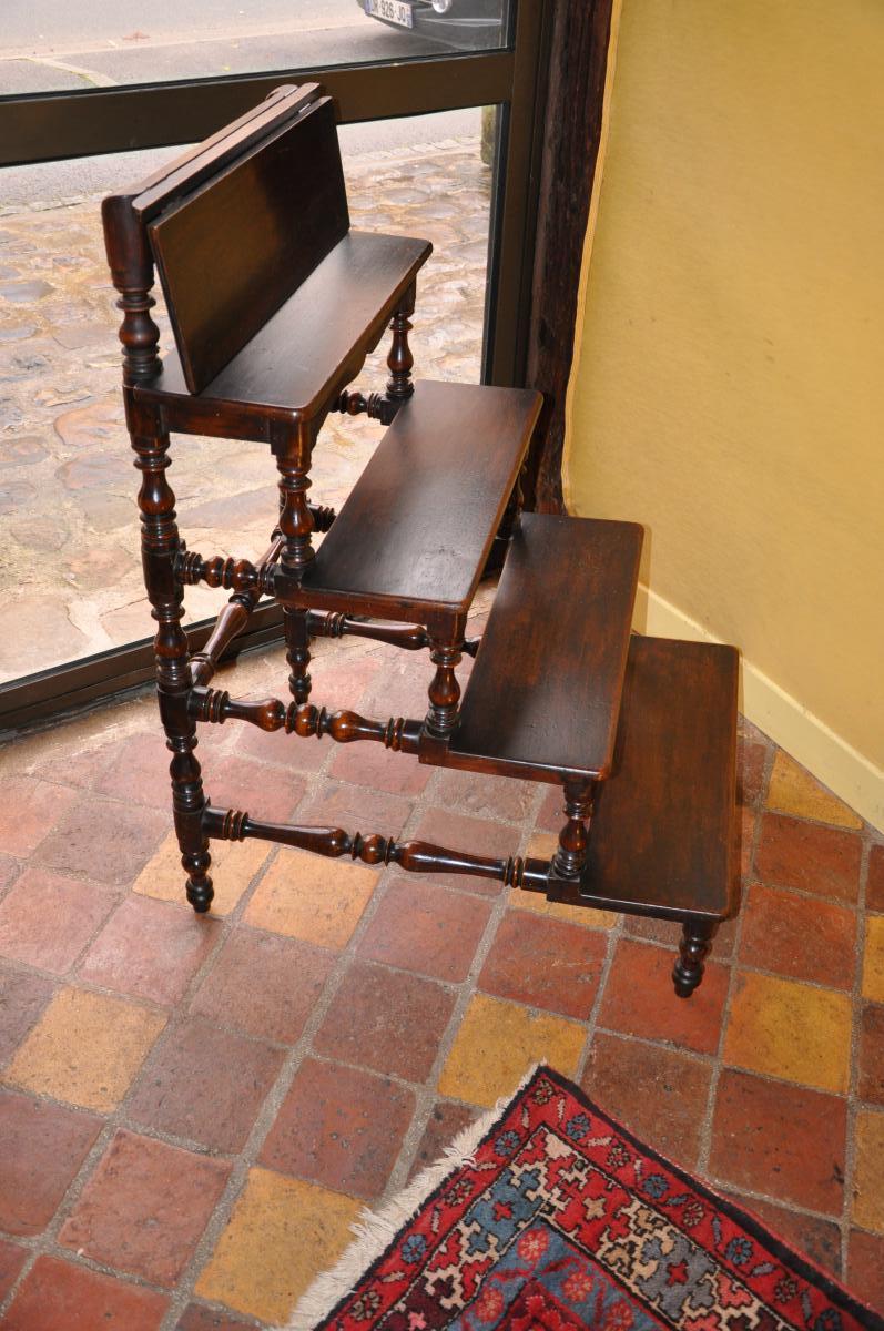 escalier de biblioth que en noyer du xix me si cle biblioth ques. Black Bedroom Furniture Sets. Home Design Ideas