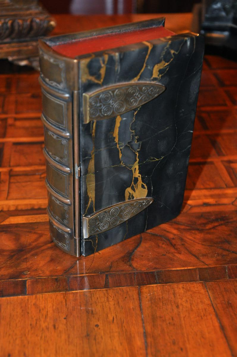 Curieuse Boite En Forme De Livre, Couverture De Marbre Portor Fin XIXème Siècle