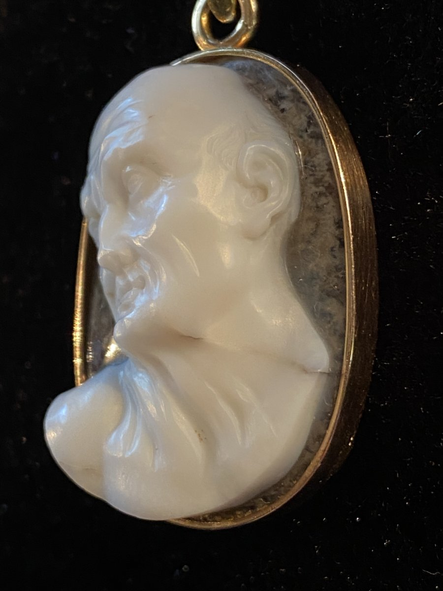 High Relief Cameo, Expressive Male Profile, Two Layered Crystal Agate-photo-4