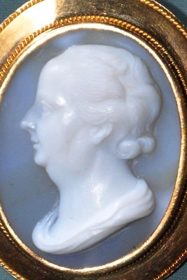 Camée En Agate Du XIXème Au Profil De Benjamin Franklin