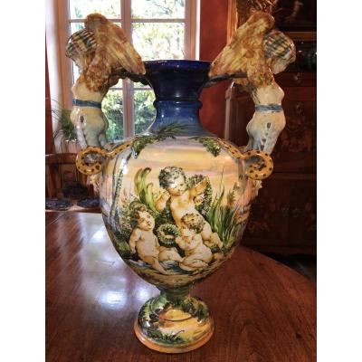 Grand Vase D'urbino XIX Eme Siècle à Décor De Putti