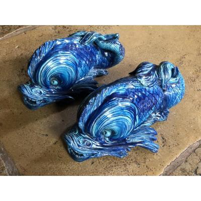 Paire De Dauphins En Faïence Bleue XIXe Siècle