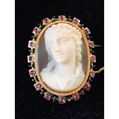 Beautiful Vestal From The Antique, Agate Cameo In High Relief XIXth Century