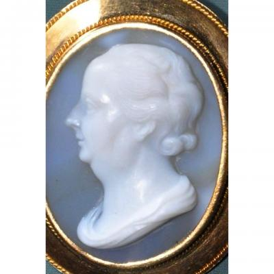 Agate Cameo Of The 19th Century, Benjamin Franklin