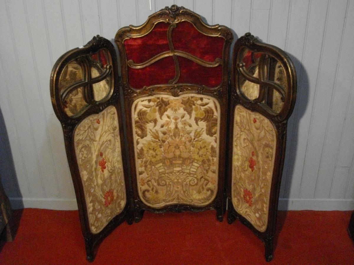 petit paravent en bois sculpt paravents. Black Bedroom Furniture Sets. Home Design Ideas