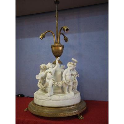 Importante Lampe Bouillotte En Biscuit  Aux Enfants XIX ème Centre De Table Monture Bronze