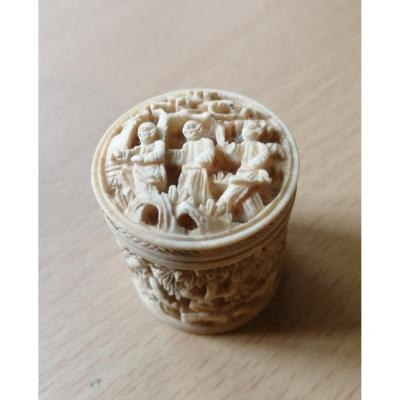 Pill Box In Ivory Chinese Decor
