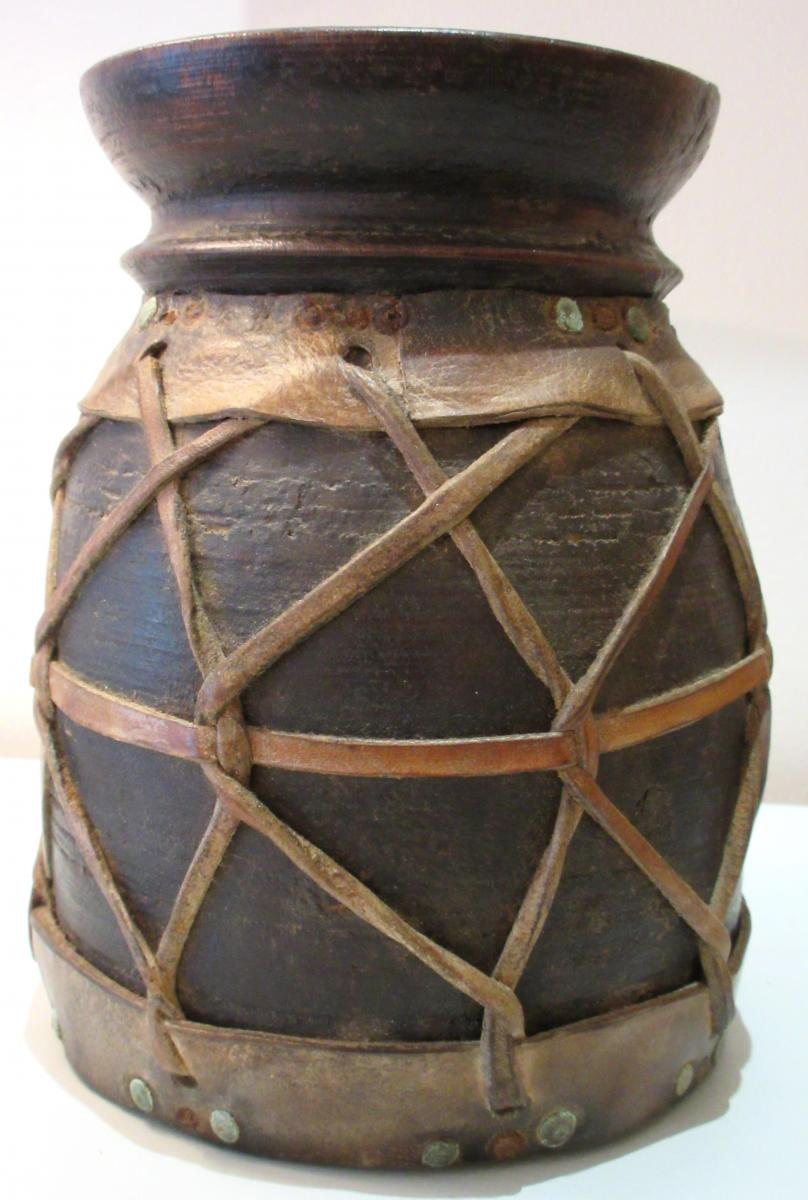 Guinea Pot Wood And Leather