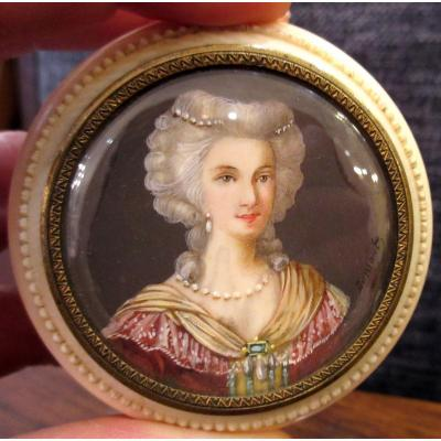 19th Century Ivory Box Decorated With A Miniature