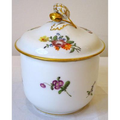 Pot à Sucre Couvert En Porcelaine XVIIIème