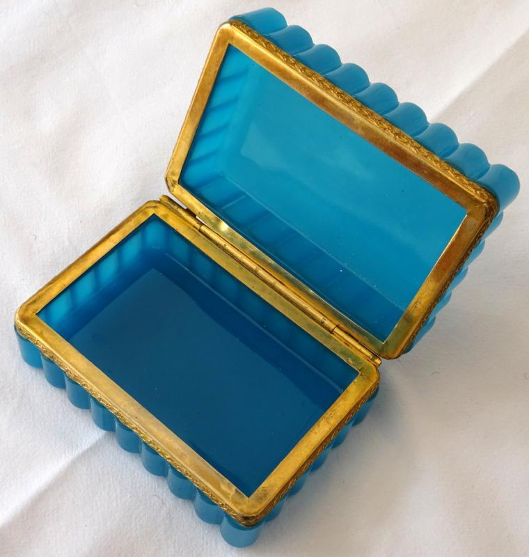 Coffret à Bijoux En Opaline Bleue d'époque XIXème Siècle-photo-2