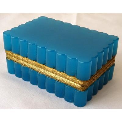 Coffret à Bijoux En Opaline Bleue d'époque XIXème Siècle