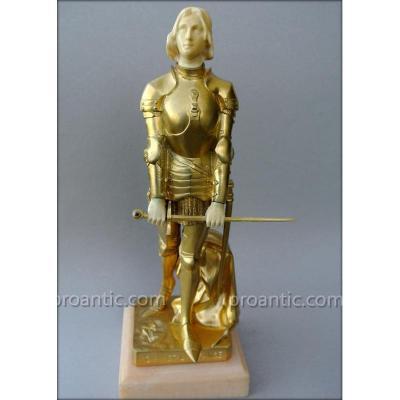 Statue représentant Jeanne d'Arc