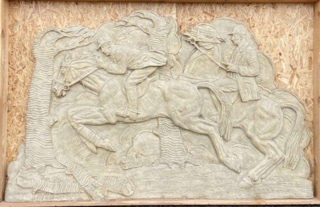 Bas-relief  Oscar De Clerck  les cavaliers   1932   En Platre