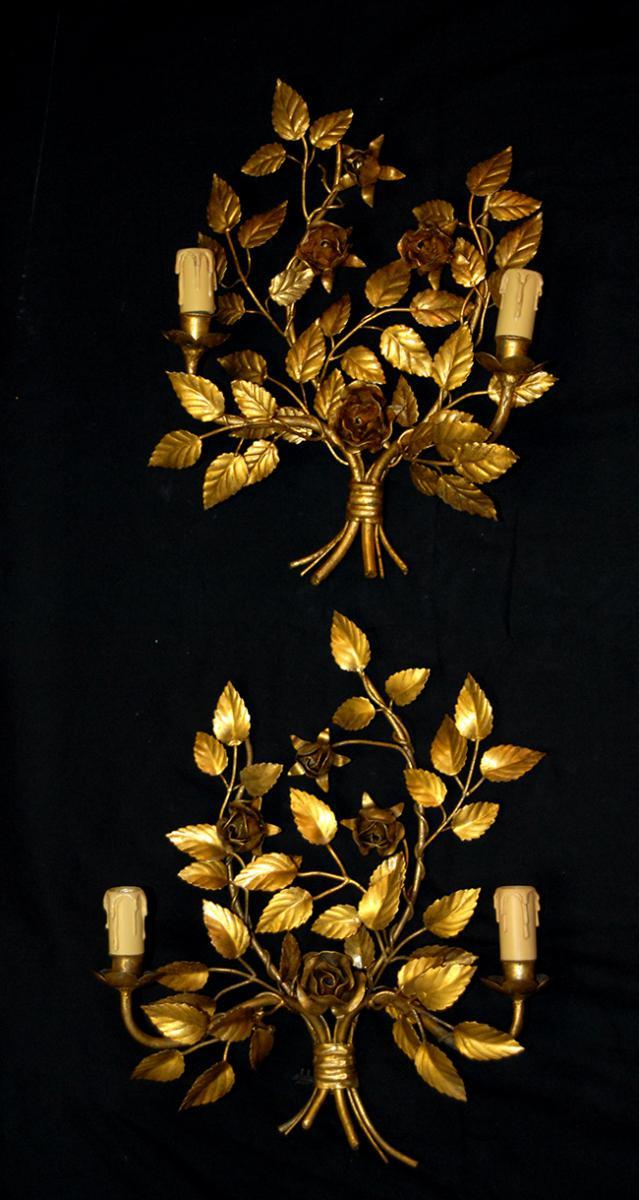 Paire d'Appliques Esprit Italien  , Décor de Roses , Métal Doré, XXème