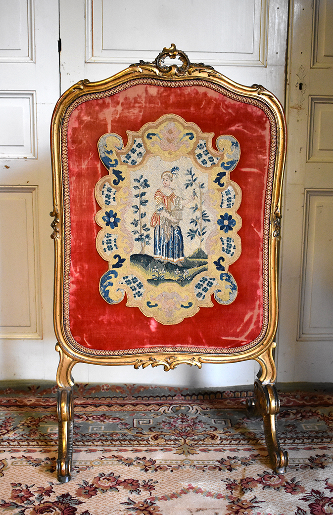 Louis XV Style Fireplace Screen, Golden Wood And Tapestry With Small Points, Epoque XIX