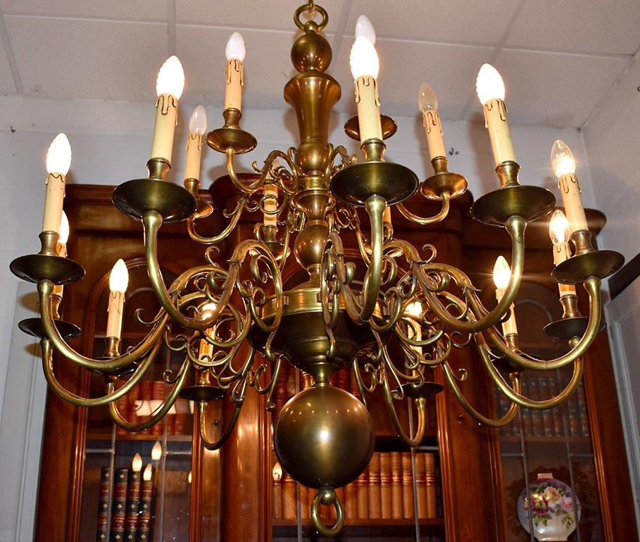 Grand Lustre Hollandais Eclairant à 18 Feux, Bronze et Laiton Doré, Important Diamètre