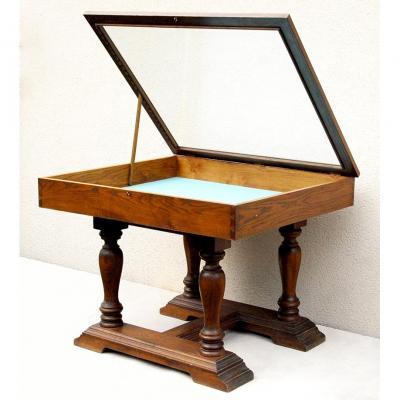 Grande Table Formant Vitrine Pour Collection, Militaria, Mineralogie...