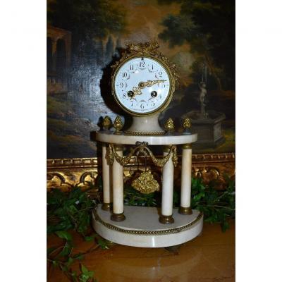 Pendule Portique De Style Louis XVI, Epoque XIXeme, Marbre et Bronze