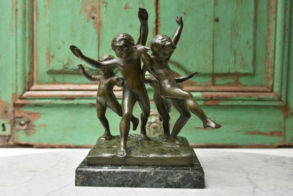 Eugène Canneel. Ronde d'enfants. Bronze patine verte.