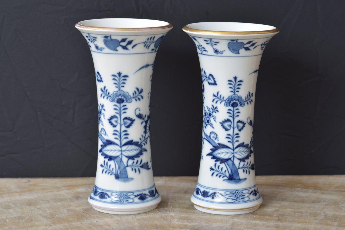 Meissen. 1920. Paire De Vases. Décor à L'oignon.