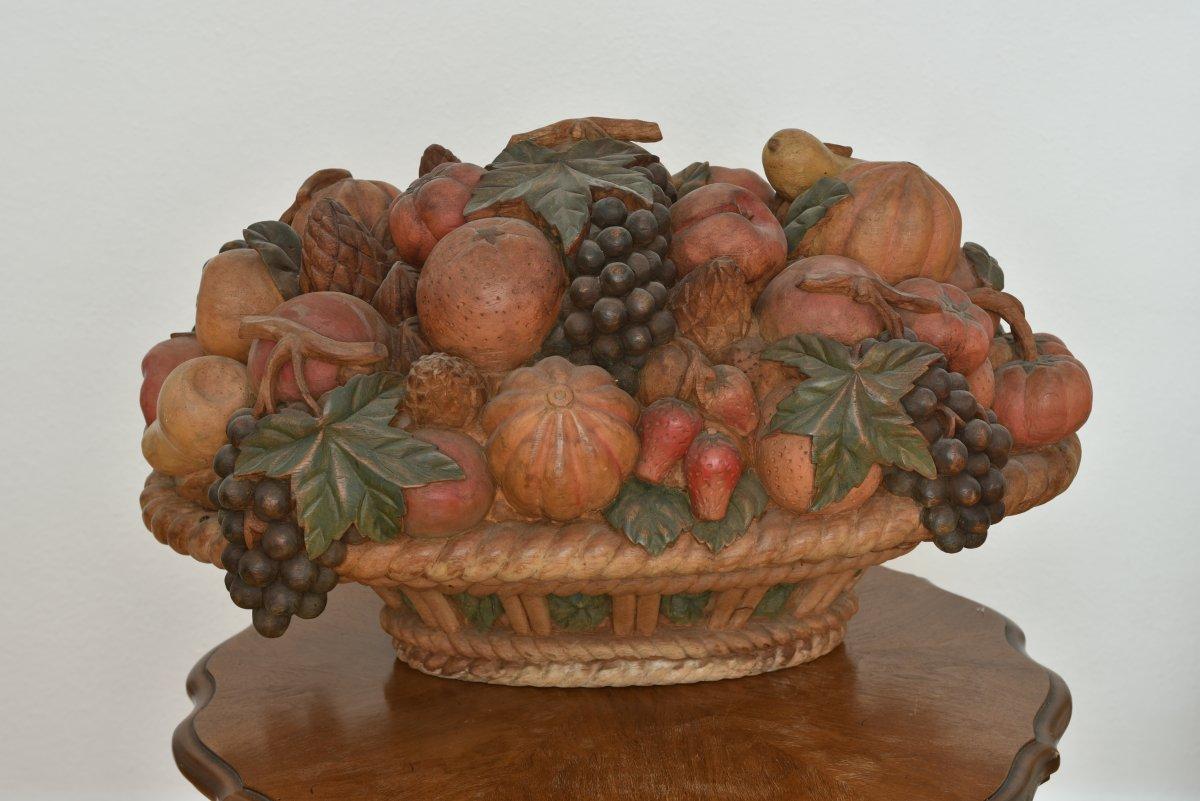 Importante Corbeille De Fruits En Bois Sculpté. Polychrome. 1900.