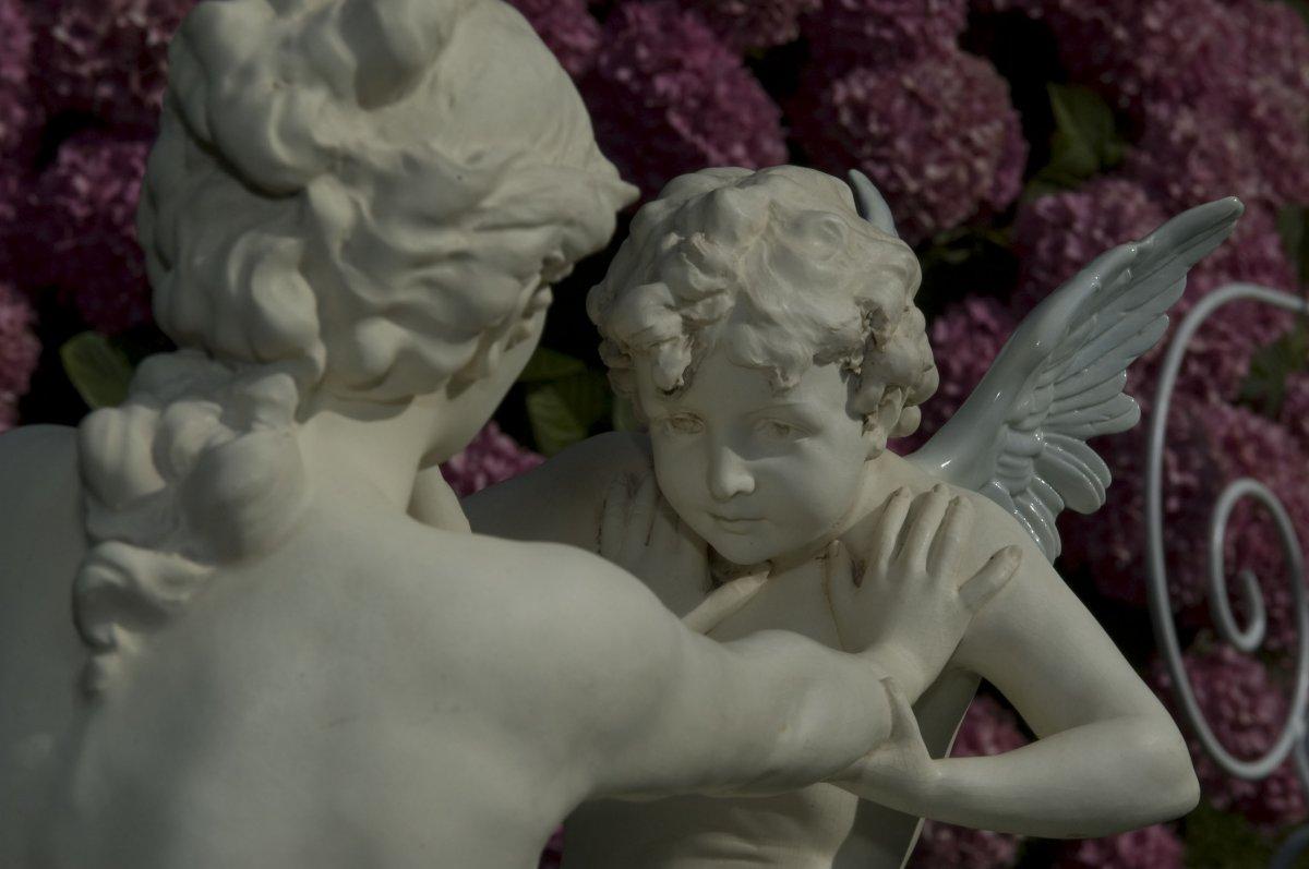 Amour Et Psyché. Art Nouveau. Ernst Wahliss. Vienne
