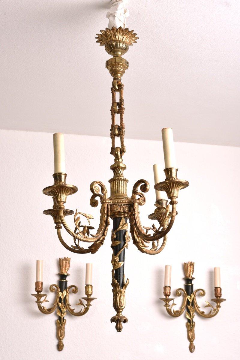 Lustre En Bronze Et Appliques De Style Louis XVI.
