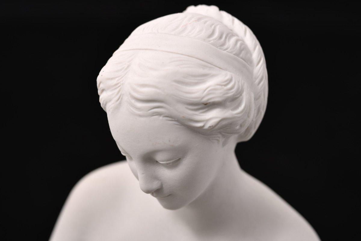 Sculpture En Biscuit D´après Falconet. La Baigneuse.