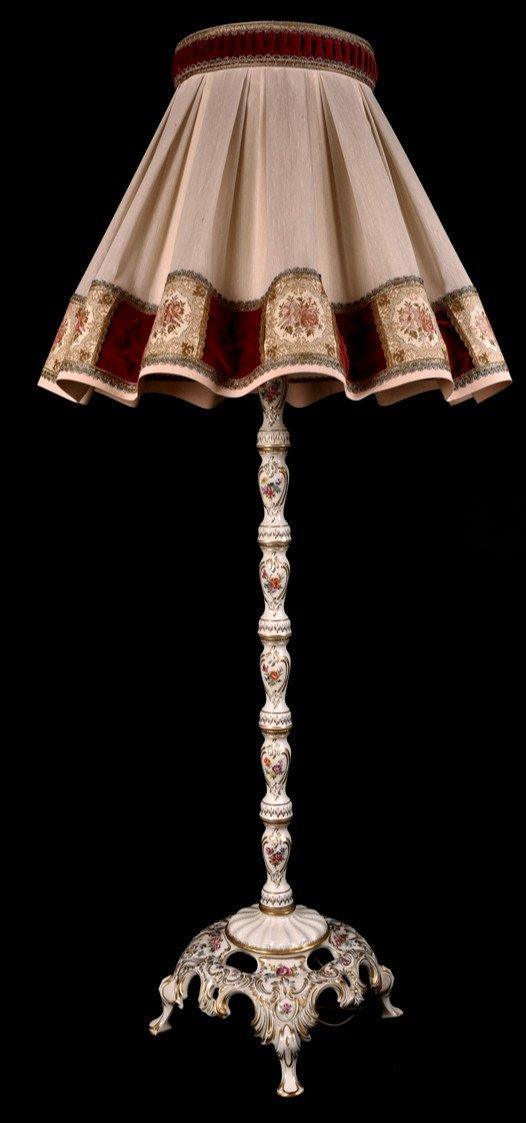 Lampadaire En Porcelaine De Dresde. XXème.