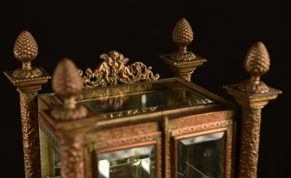Vitrine Miniature Aux Verres Biseautés. 1880.-photo-2