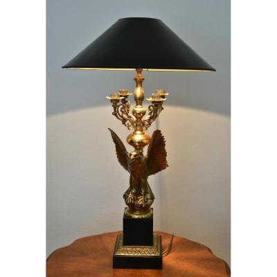 Lampe De Table. Aigle Aux Ailes Déployées.