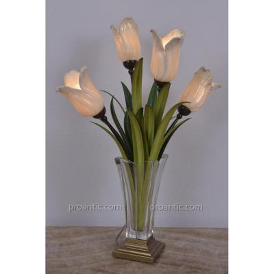 Murano. Lampe. Bouquet De Tulipes Dans Un Vase En Cristal