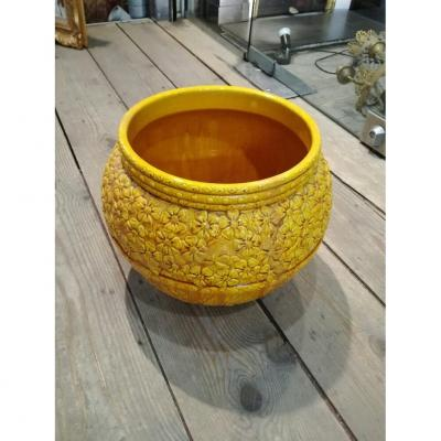 cache pot en faience jaune