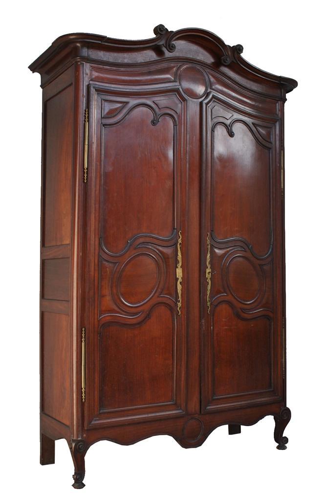 armoire de port louis xv poque xviii me en acajou massif armoires. Black Bedroom Furniture Sets. Home Design Ideas