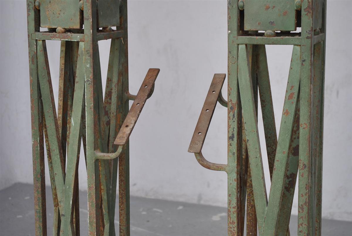 paire de pied de rampe d 39 escalier xix me en fer forg et bronze escaliers rampes balustres. Black Bedroom Furniture Sets. Home Design Ideas