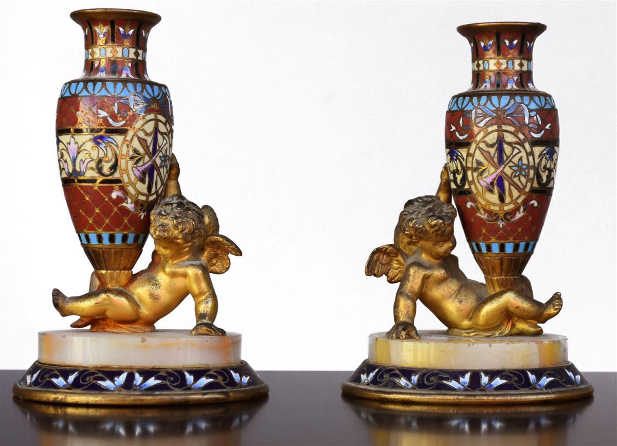 Paire De Porte Soliflore Bronze Doré Cloisonné Napoléon III Aux Angelots Fin XIXème