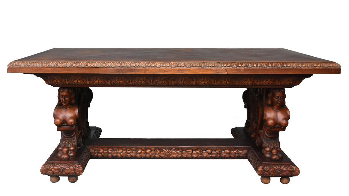 Table De Style Renaissance En Chêne Sculpté Aux Buste De Femmes
