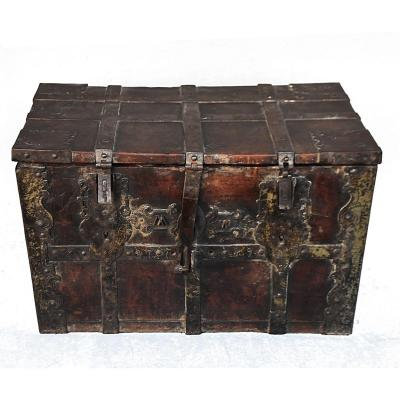 Wooden Chest XVIIIth Vintage Fittings