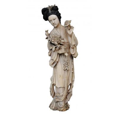 Japan Statuette Elegant XIXth