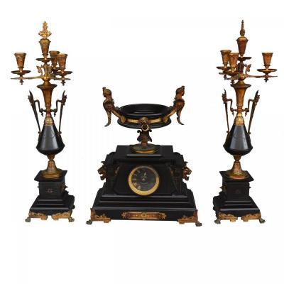 Garniture De Cheminée Néo Classique En Bronze Doré Et Marbre Noir XXIème