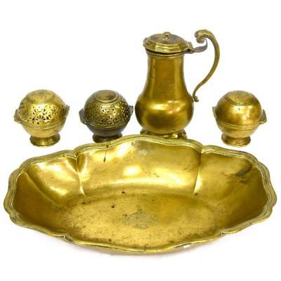 Service De Toilette d'époque XVIIème En Bronze Armoiries