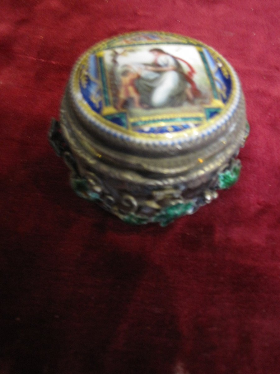 Beautiful Box In Crystal, Silver And Enamel With Neoclassical Taste. Early 19th Century