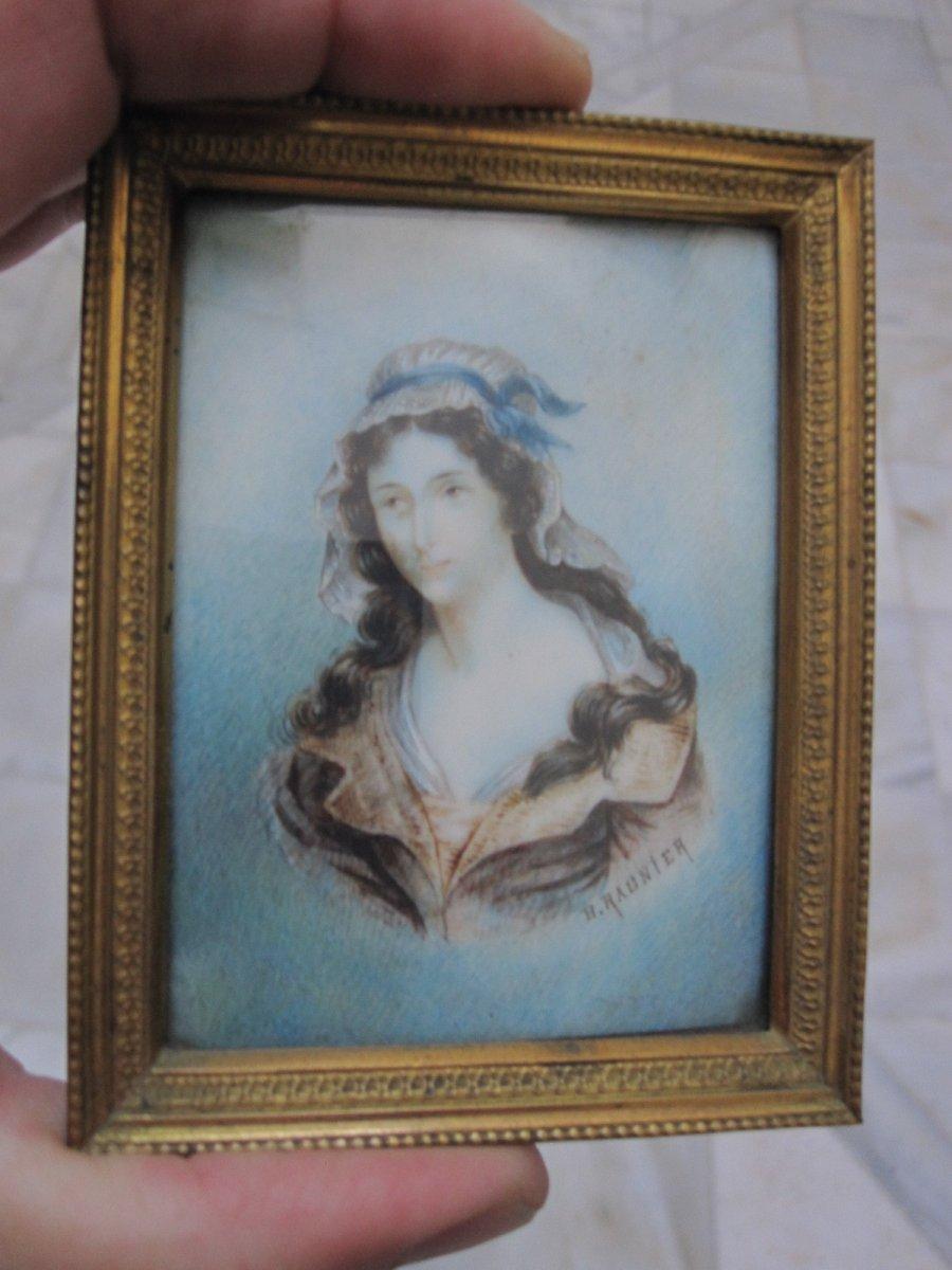 Charlotte Corday. Miniature Du XVIIIe Sur Ivoire