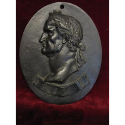 Emperador Galba: Oval Medallion In Bronze. Italian Work Of The 17th Or 18th Century