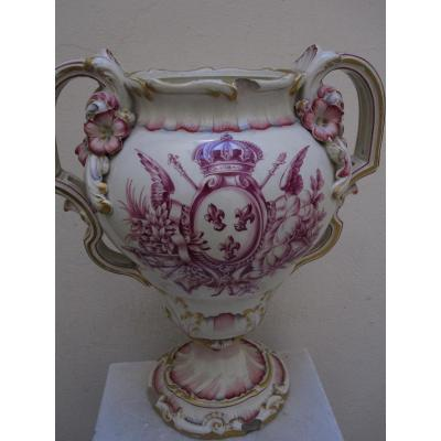 Grand Vase à Décor d'Armoiries Royales De France Et De Trophées. 18e Ou Début 19e Siècle